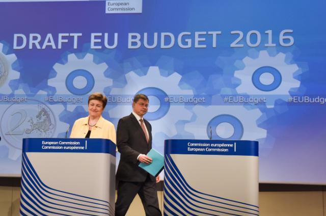 "Illustration of ""Joint press conference by Kristalina Georgieva and Valdis Dombrovskis"""