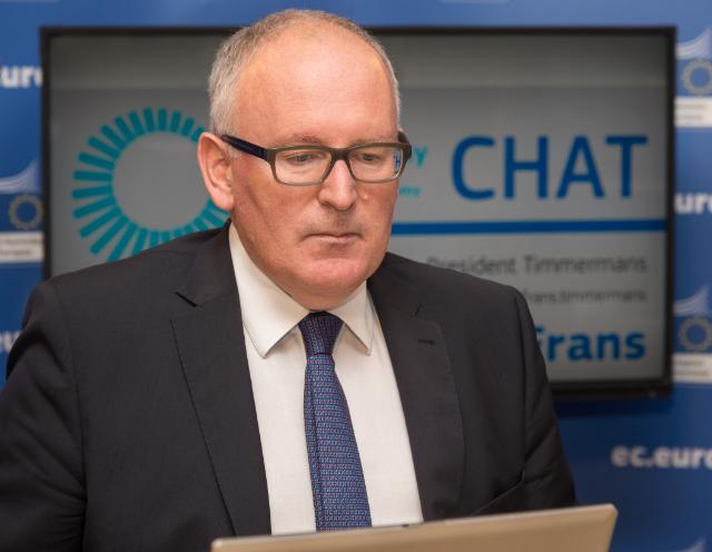 Participation of Frans Timmermans, First Vice-President of the EC, in a Twitter and Facebook chat with internet users