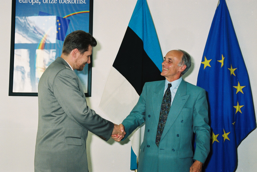Signing of the free-trade agreement between the CEC and Estonia
