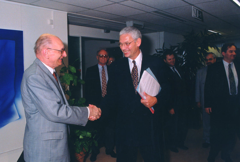 Visit of Władysław Bartoszewski, Polish Minister for Foreign Affairs, to the EC