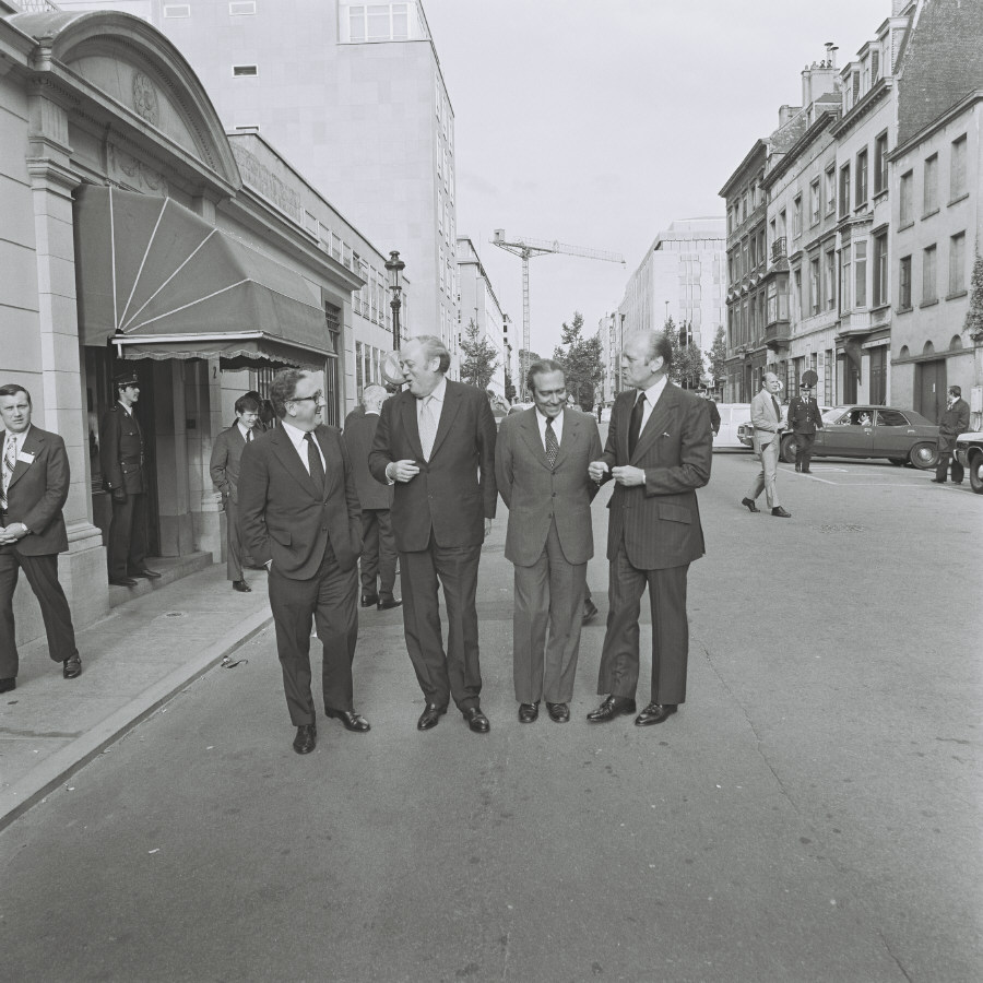 Meeting between Gerald Ford, President of the United States, and  François-Xavier Ortoli, President of the CEC, in Brussels