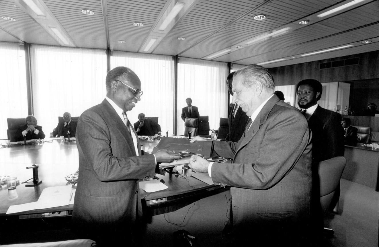 Visite de Dawda Kairaba Jawara, président de la Gambie, à la CCE