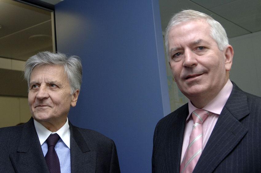Visite de Jean-Claude Trichet, président de la BCE, à la CE