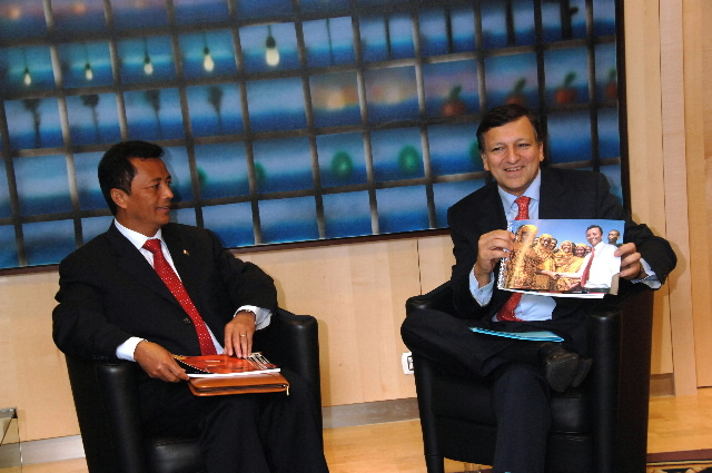 Visit by Marc Ravalomanana, President of Madagascar, to the EC
