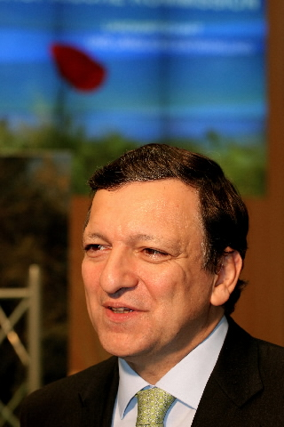 José Manuel Barroso, President of the EC and Mariann Fischer Boel, Member of the EC, at the
