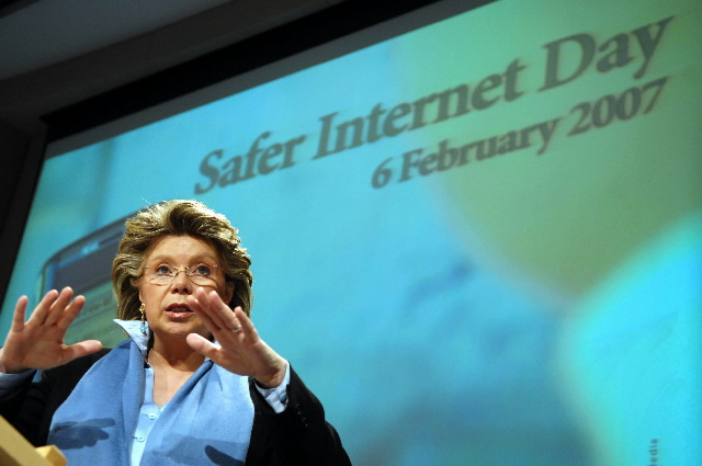 Press conference by Viviane Reding, Member of the EC, on the Safer Internet Day