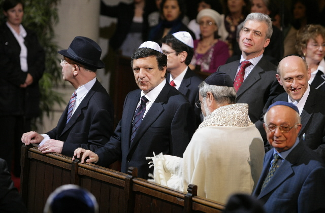 Participation of José Manuel Barroso, President of the EC, in the opening ceremony of the Great Synagogue of Europe in Brussels.