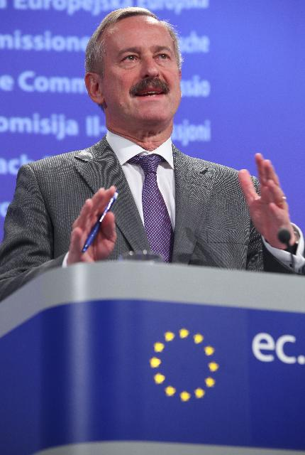 Press conference by Siim Kallas, Vice-President of the EC, on the European measures to limit disruptions caused by the volcanic ashes, the day after the eruption of a volcano in Iceland