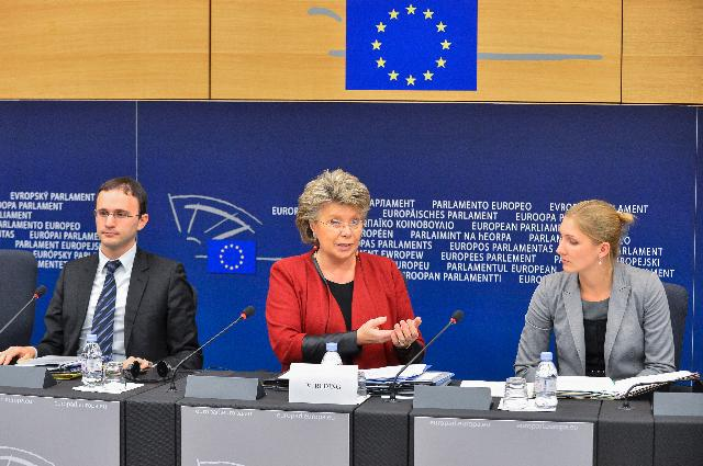 Press conference by Viviane Reding, Vice-President of the EC, on modern insolvency rules to give businesses a second chance