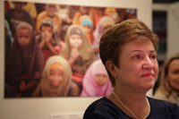 Visit by Kristalina Georgieva, Member of the EC, of the WFP annual photo exhibition
