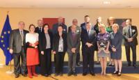 Visite de représentants du GEE à la CE