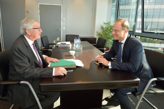 Meeting between Tibor Navracsics, Hungarian Minister for Foreign Affairs and Trade, and Jean-Claude Juncker, President-elect of the EC