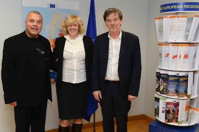 Visit of Constantin Chiriac, Director of the Radu Stanca National Theatre and the International Theatre Festival of Sibiu, and Jean-Louis Colinet, Director of the Théâtre national de Belgique, to the EC