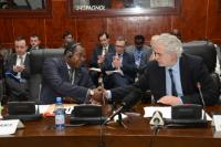 Handshake between Hamadoun Konaté, Malian Minister for Solidarity, Humanitarian Action and Reconstruction of the North, on the left, and Christos Stylianides
