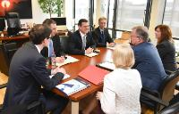 """Illustration of """"Visite d'Hans-Joachim Reck, président du CEEP, et Valeria Ronzitti, directrice du CEEP, à la CE"""""""