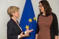 Discussion between Julie Bishop, on the left, and Cecilia Malmström