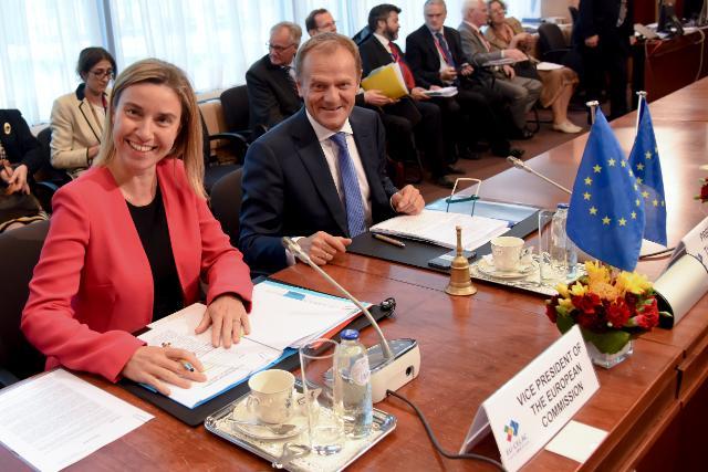Participation Federica Mogherini,  vice-présidente de la CE, et Donald Tusk, président du Conseil européen, à la réunion de haut niveau UE-Cariforum à Bruxelles