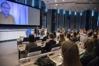 Participation de Günther Oettinger, membre de la CE, à la cérémonie de remise des prix Juvenes Translatores