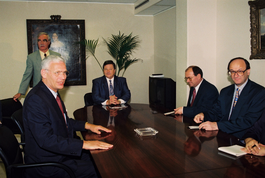Visit of Nikica Valentić, Croatian Prime Minister, to the EC