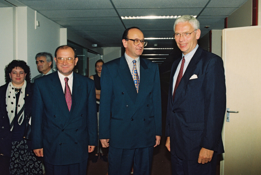 Visit of Nikica Valentić, Croatian Prime Minister, to the EC