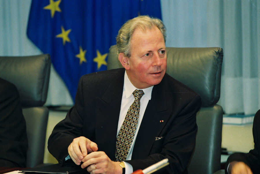 First meeting of the Jacques Santer Commission