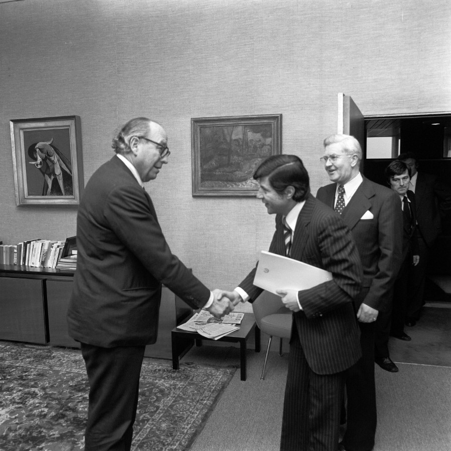 Presentation of the credentials of the Head of the Mission of Cyprus to Roy Jenkins, President of the CEC