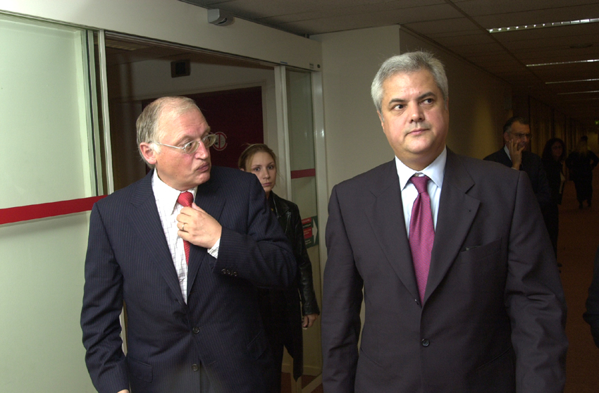Visit by Adrian Nastase, Romanian Prime Minister, to the EC