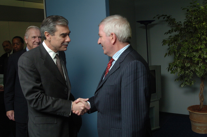 Visit of Carlos Gutierrez, US Secretary of Commerce, to the EC