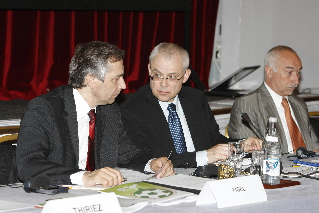 Participation of Ján Figel' and Vladimír Špidla, Members of the EC, in the new social dialogue on professional football