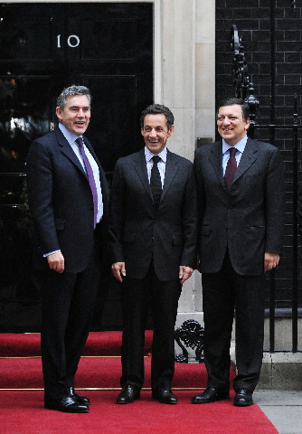 Participation of José Manuel Barroso, President of the EC, in a mini-summit on the financial crisis in London