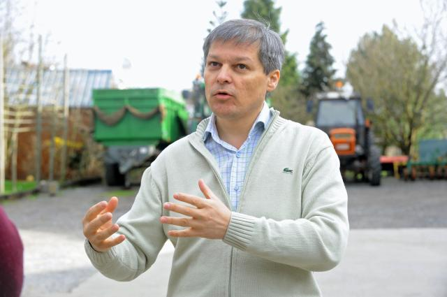 Visit of Dacian Cioloş Member of the EC, to the Flabat farm