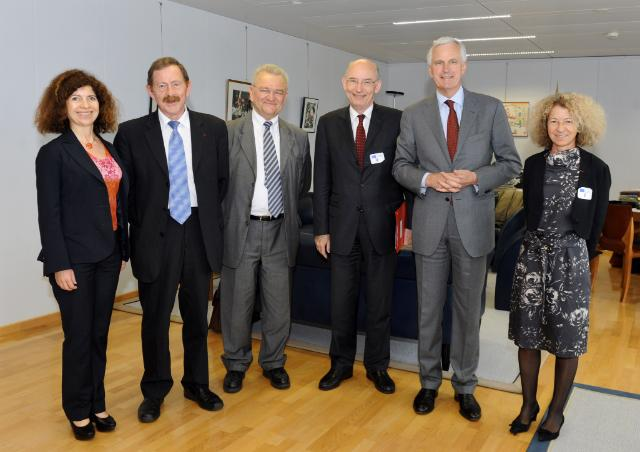 Visit of Members of the French Senate to the EC