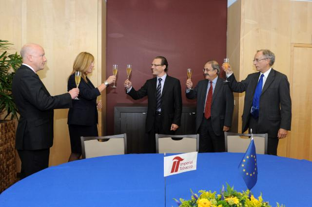 Signature of the agreement to tackle the illicit trade in tobacco products by the EC and the Imperial Tobacco Limited group