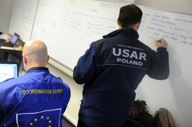 Disaster response exercise with teams from different EU countries