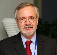 Visite de Werner Hoyer, président de la Banque européenne d'investissement, à la CE