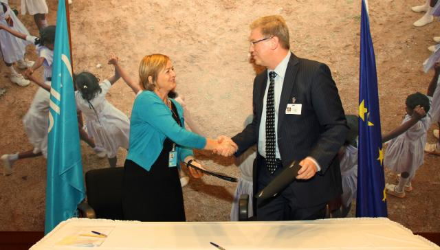 Signatures of several cooperation agreements between the EU, Unicef and the UNRWA