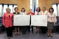 Members of the EC in solidarity with kidnapped Nigerian girls