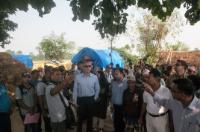 """Illustration of """"Visite d'Andris Piebalgs, membre de la CE, au Népal"""""""