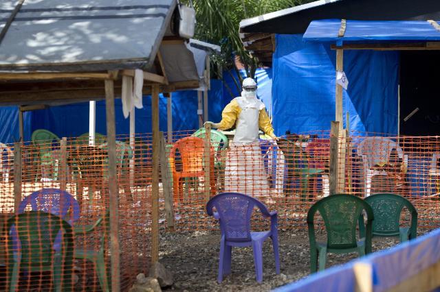 Ebola :  Le travail effectué au Libéria et en Guinée pour combattre la maladie