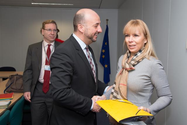 Elżbieta Bieńkowska reçoit Etienne Schneider, vice-Premier ministre luxembourgeois; ministre de la Sécurité intérieure, de la Défense et ministre de l'Économie