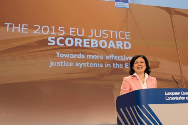 Conférence de presse de Vĕra Jourová, membre de la CE, sur l'édition 2015 du tableau de bord de la justice dans l'UE