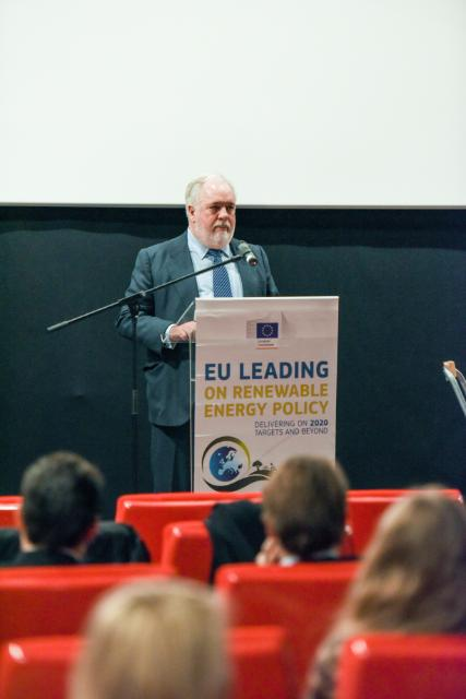 Participation de Miguel Arias Cañete, Member of the EC, at the 'Renewable Energy Solutions for Today's Challenges and Tomorrow's World' event