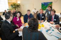 Participation de Violeta Bulc, membre de la CE, à la réunion sur les bus propres dans les zones urbaines