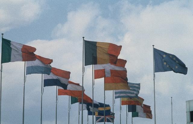 Symbolic 1997-1998