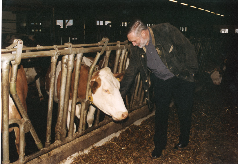Visit by Franz Fischler, Member of the EC, to Austrian farms