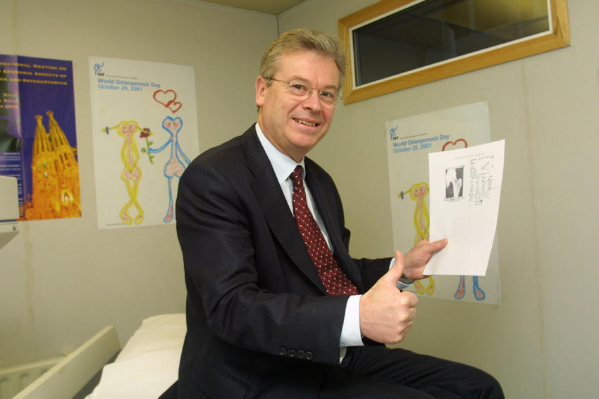 David Byrne, member of the EC, takes part in a campaign for the prevention of osteoporosis