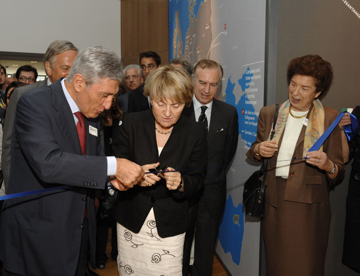 Opening of the Metropolis exhibition on the rail transport strategy in Campania by Danuta Hübner, Member of the EC
