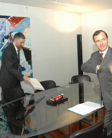 Visite de Dusan Petrovic, ministre serbe de la Justice, à la CE