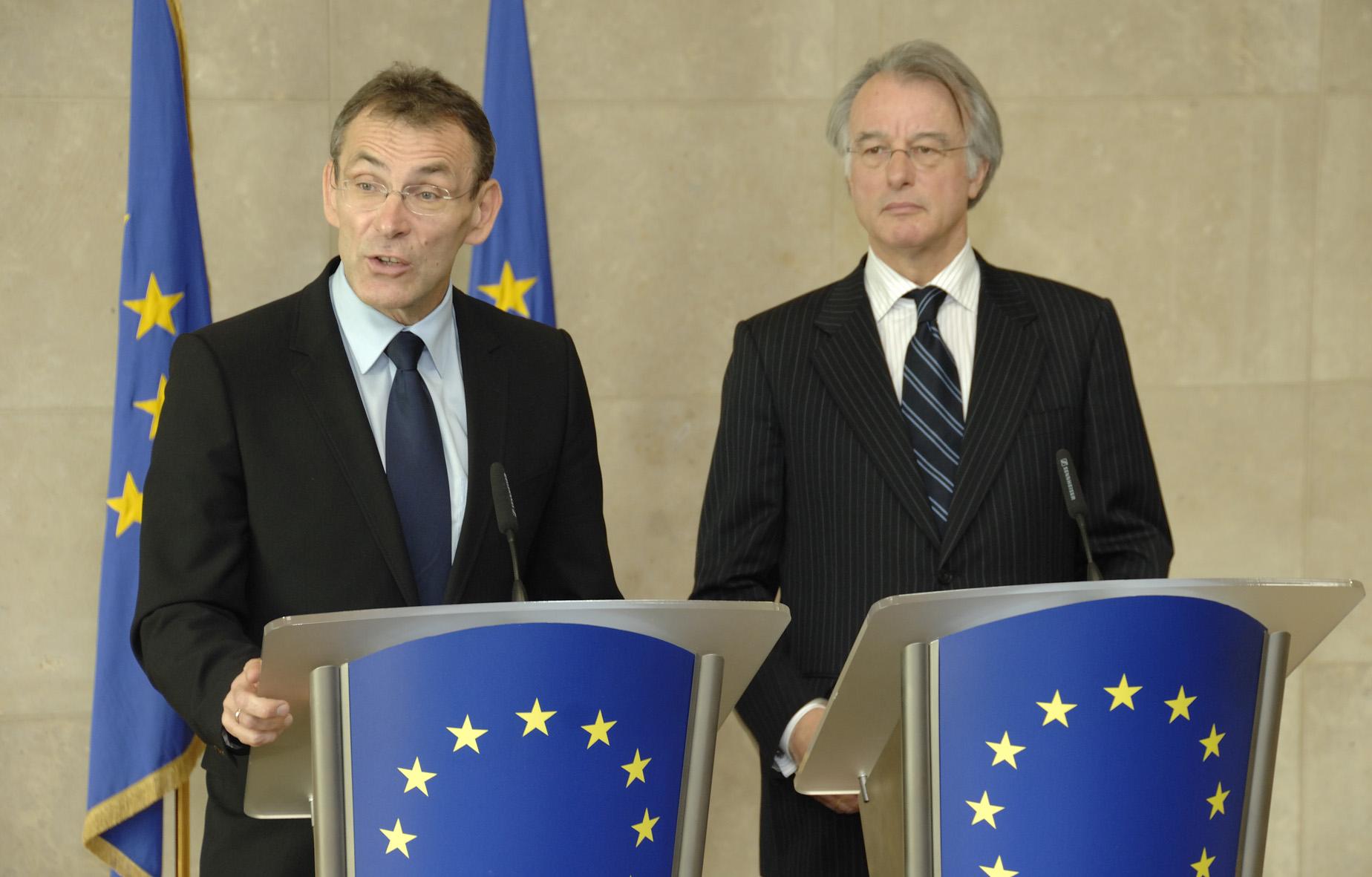 Visite de Jozias van Aartsen, coordinateur du projet de gazoduc Nabucco pour l'UE, à la CE