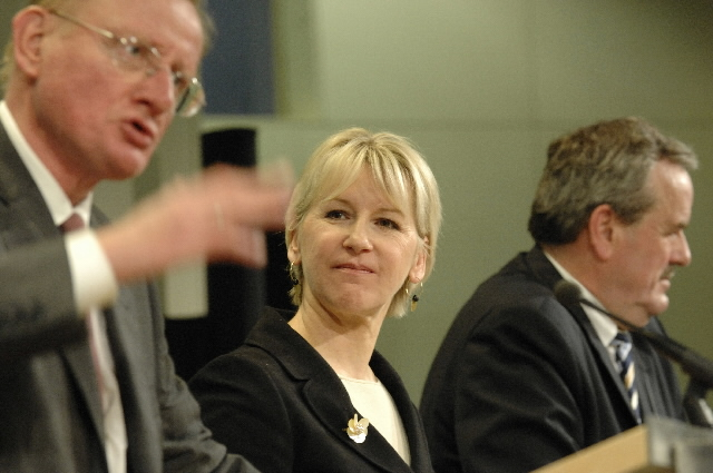 Press conference by Margot Wallström, Member of the EC, on the launch of  Euranet, a network of European radio stations